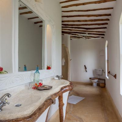 Mdoroni Pehoni House Coastal Kenya Bathroom1a